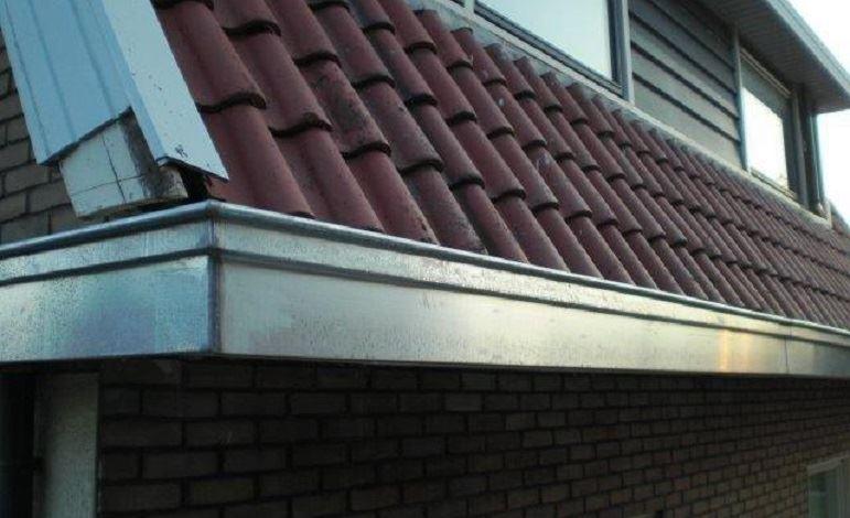 installatietechniek-zinken-dakgoten-woning-middelveld