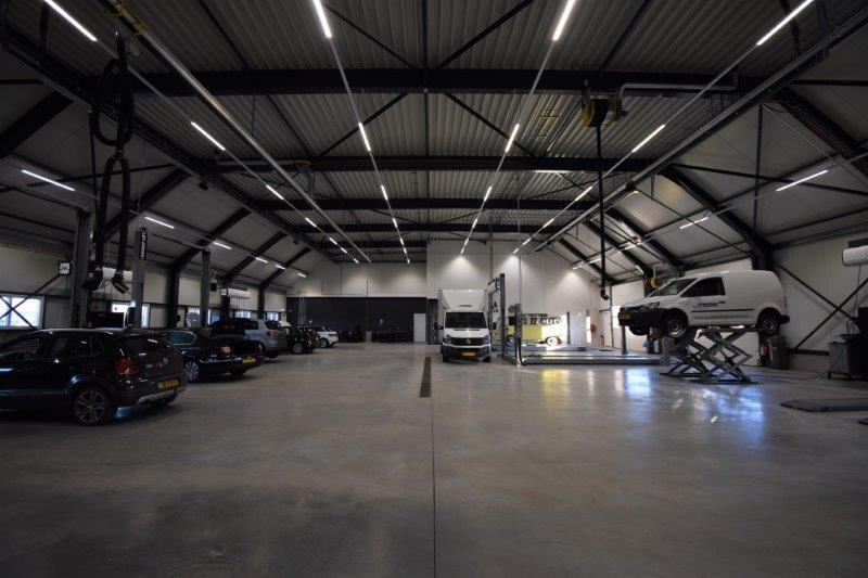noodverlichting in garagebedrijf