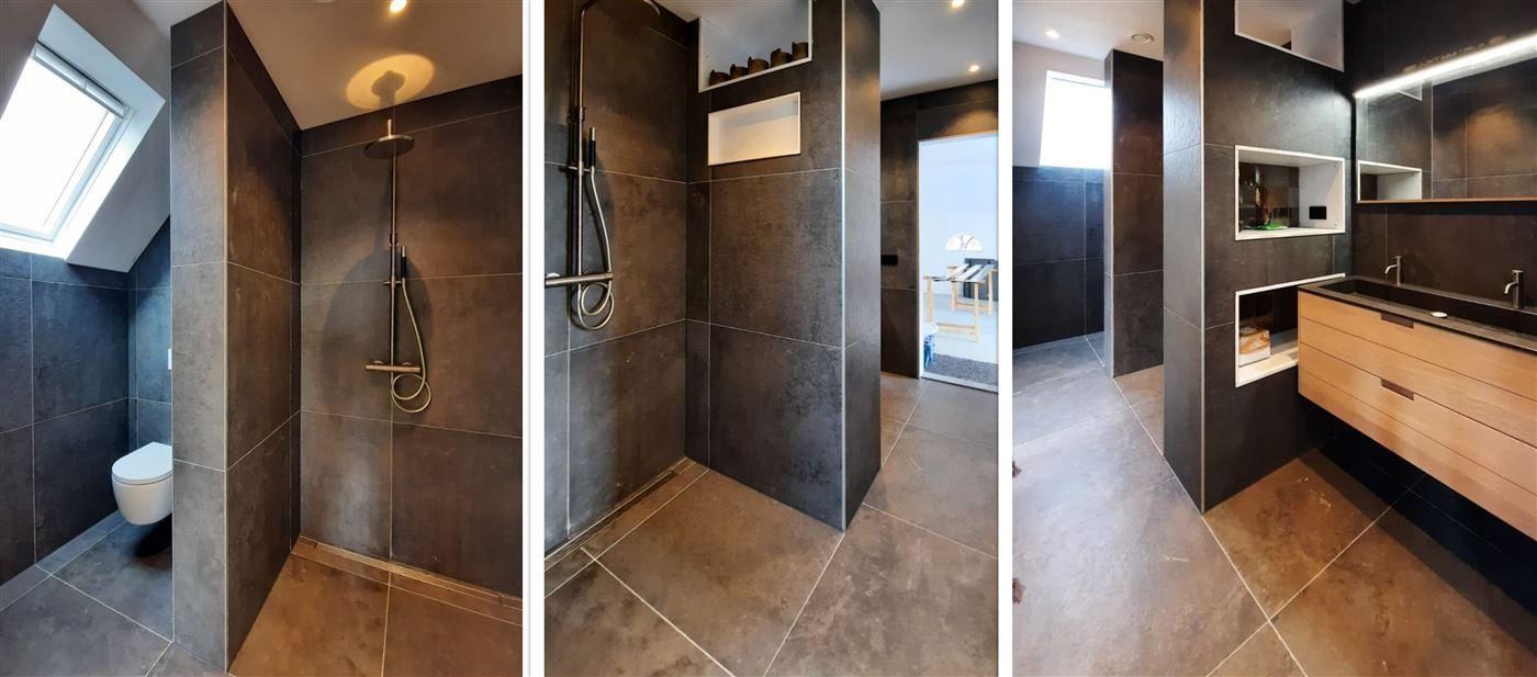 Badkamer met een moderne uitstraling
